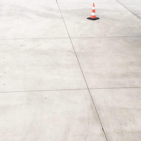 Pavimenti in cemento levigato per aziende